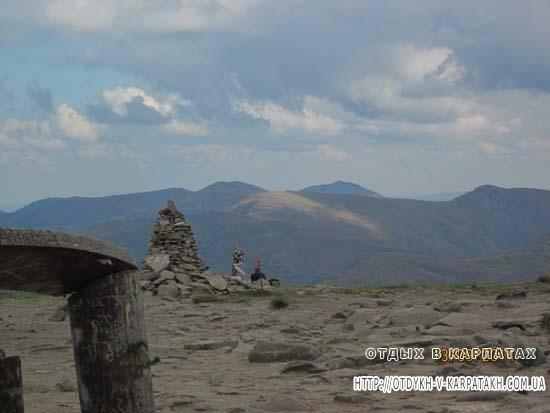 Вид с Говерлы на Черногорский хребет
