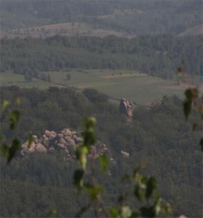 Вид на скалы Довбуша